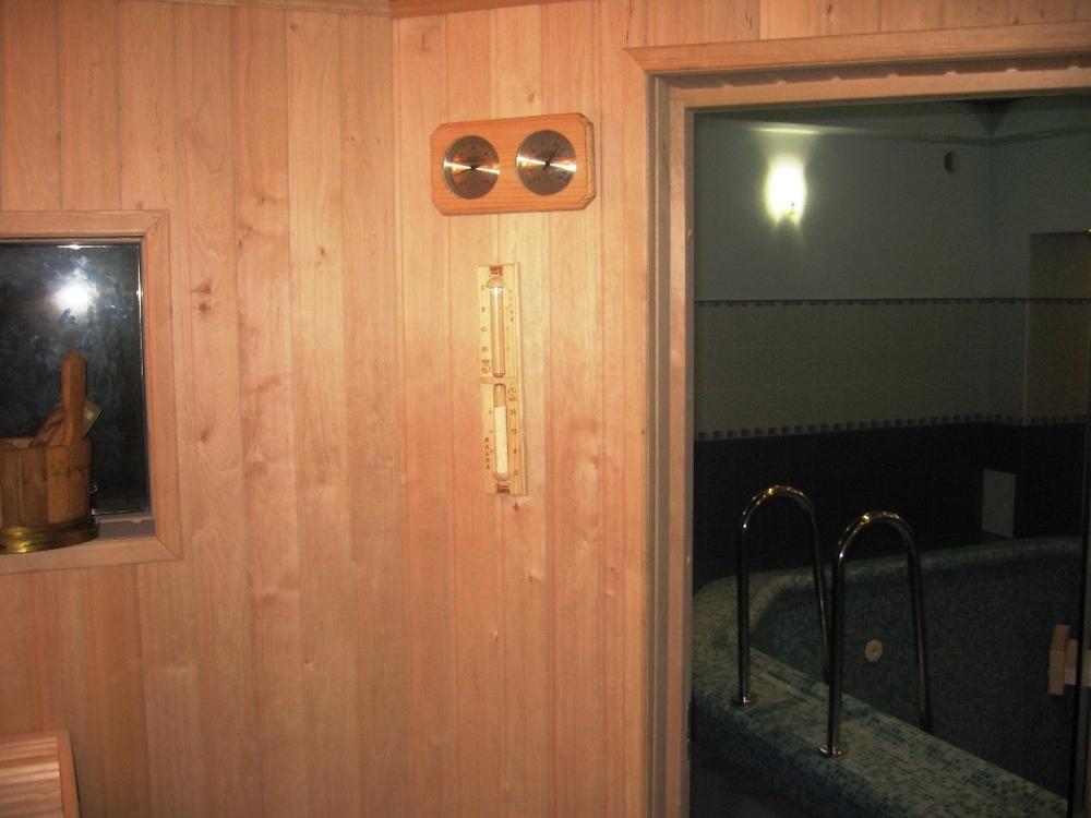 Продается на Мичурина 28, Элитное поместье VIP - класса в центре Киева