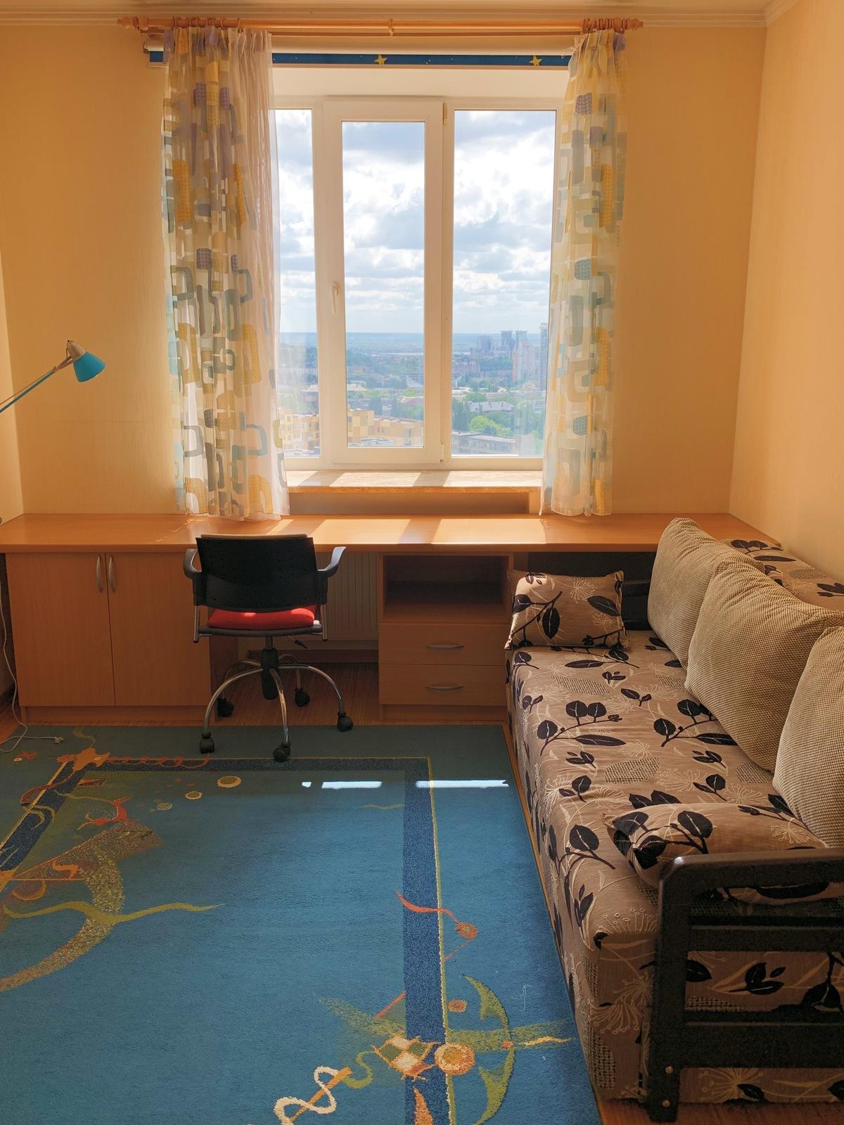 Современная видовая квартира на Щорса 32-г