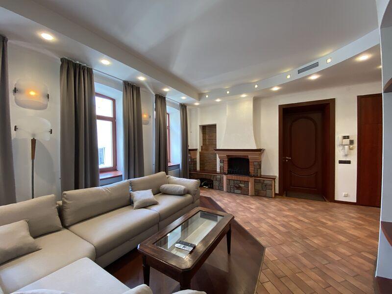Великолепная 2-х уровневая квартира на ул., Антоновича 7В